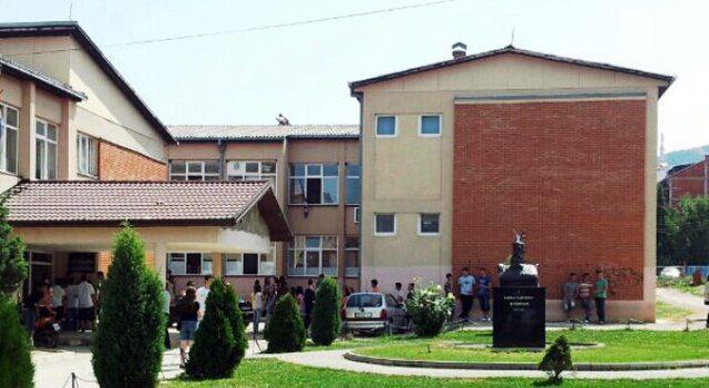 Situate e rende ne Luginen e Presheves nga koronavirusi, Berisha denoncon qendrimin racist te Vucic