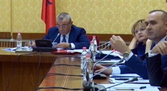 Përfundon mbledhja e Këshillit të Mandateve, cili është fati i Tahirit