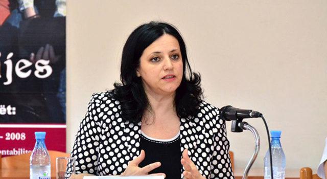 """SKANDAL/ Komisionerja kundër Diskriminimit """"nuk ndjehet rehat"""", tenderon blerje makine 40 milionë lekëshe"""