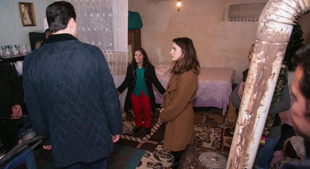 Qeveria 'retreat' dyditor në Berat, Basha u kujton 20 familjet pa ndihmë ekonomike