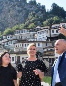 FOTO/Presidenti Meta shoqëron në Berat Presidenten kroate Kitaroviç