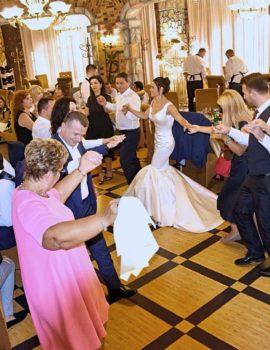 Të gjithë socialistët në valle, martohet deputeti Anduel Xhindi (FOTO)