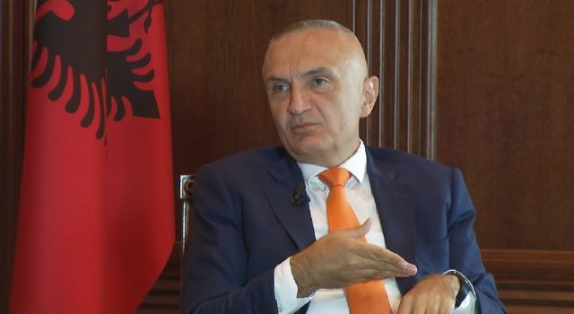 Ilir Meta sulmon korrupsionin te Unaza e Re: I pacipë dhe i shfrenuar, me banorët genocid
